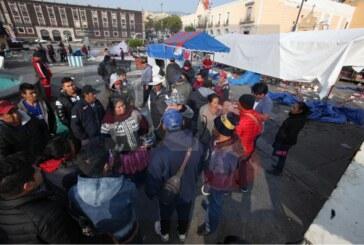 Destrozan puestos semifijos y el ayuntamiento asegura que fue legal