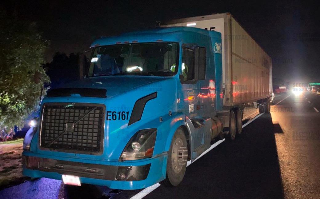 Policías de la secretaría de seguridad localizan camión con reporte de robo