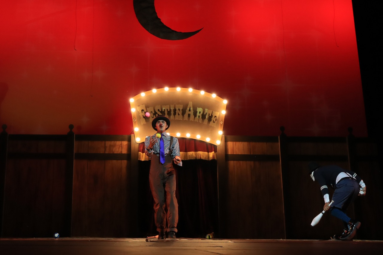 """Llega """"Folkclown, baile de la risa"""" a FestínArte 2021 en el centro cultural mexiquense bicentenario"""