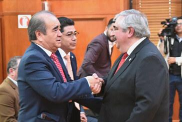 Destacan disposición a colaborar entre los poderes legislativo y judicial