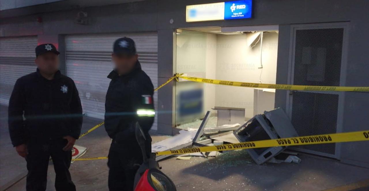 Frustran policías estatales y municipales robo de cajero automático