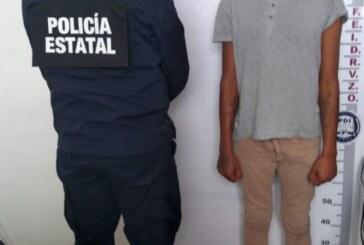 Secretaría de seguridad detiene a sujeto momentos después de robar un vehículo con lujo de violencia