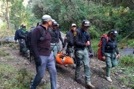 Policía rescata a joven que cayó de una altura de 30 metros