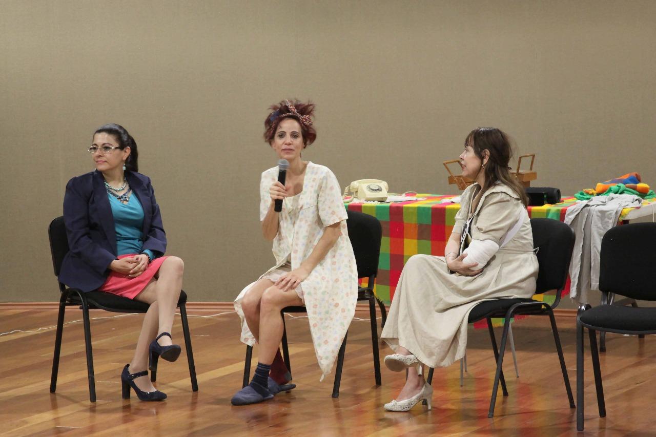 """Crean conciencia sobre la equidad de género con puesta en escena """"una mujer sola"""""""