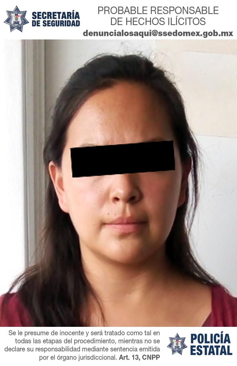 Detienen a una mujer que conducía una camioneta con reporte de robo