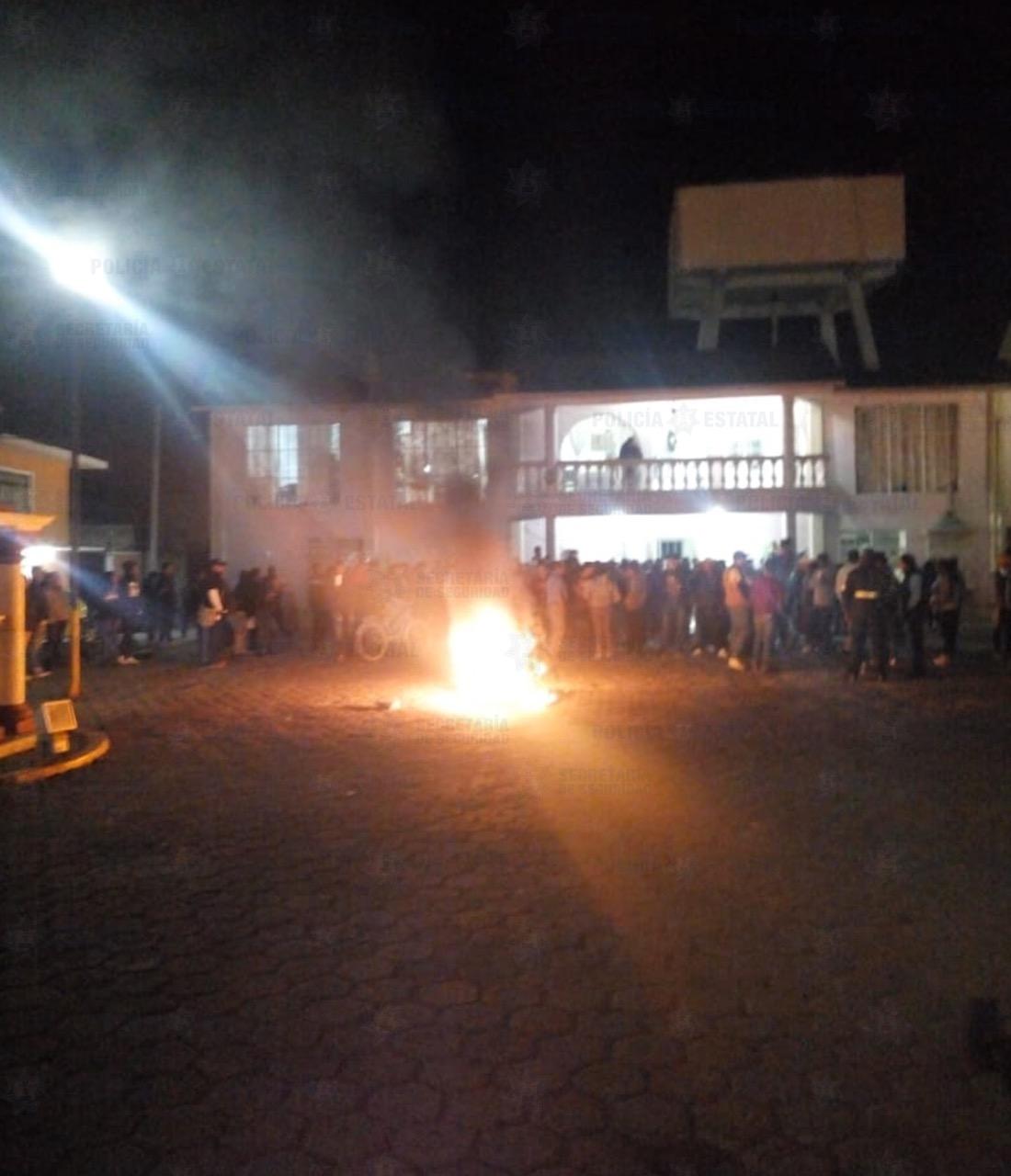 Pobladores queman vivo a un presunto robachicos