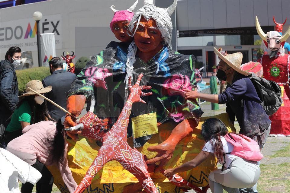 Los judas se van al centro cultural mexiquense