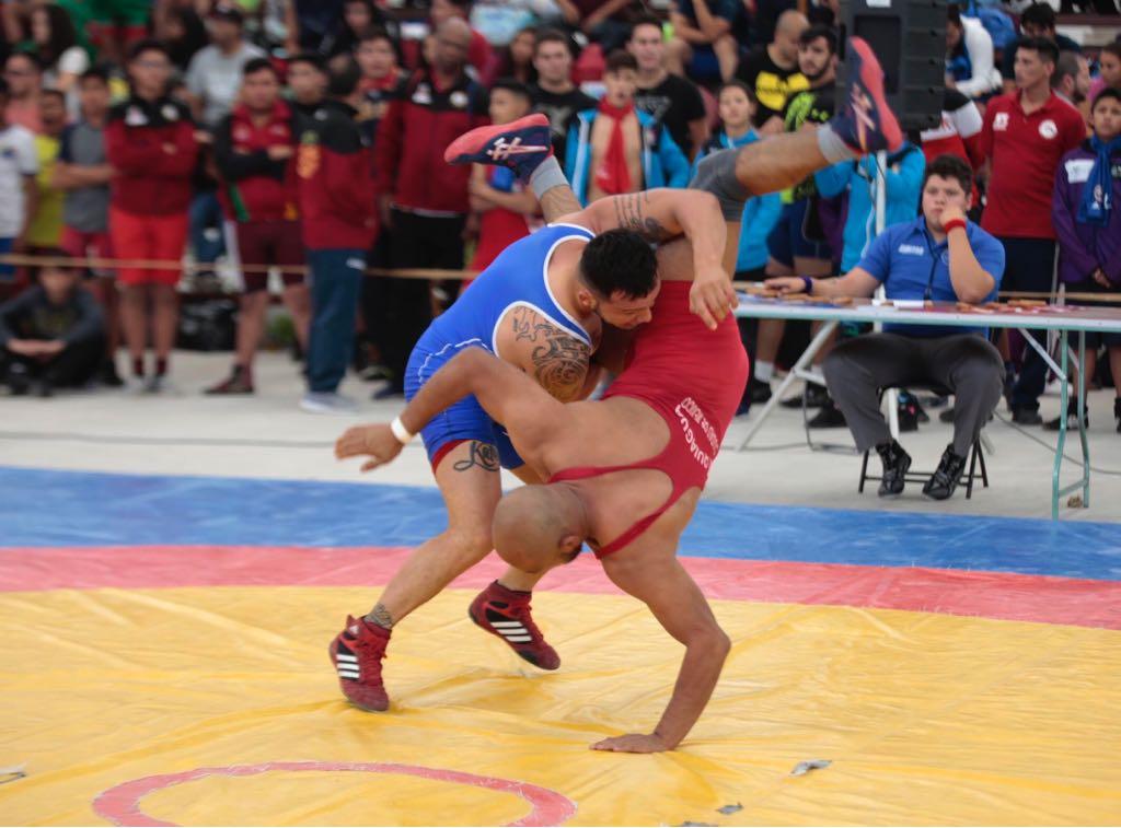 Participan 810 deportistas en el campeonato nacional de luchas asociadas