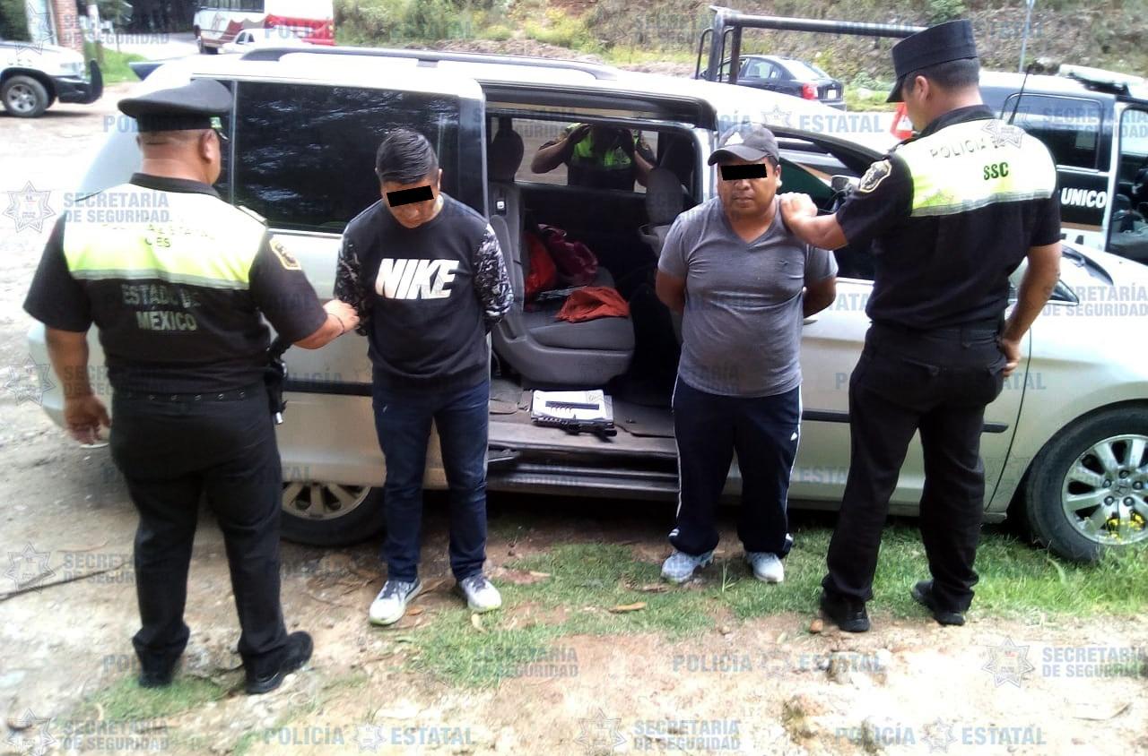 Tras denuncia anónima policía estatal detiene a dos sujetos con una ametralladora