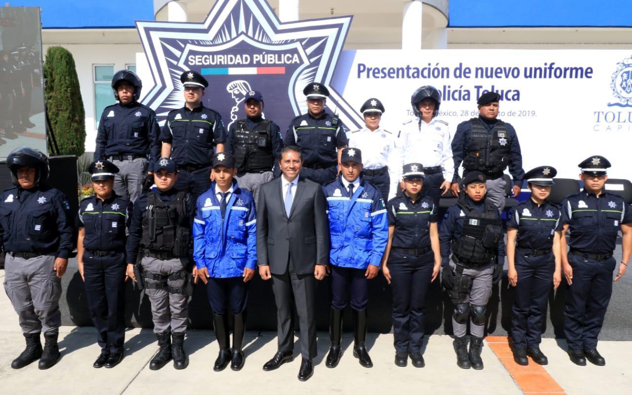 Dan a conocer nuevos uniformes de la Policía de Toluca