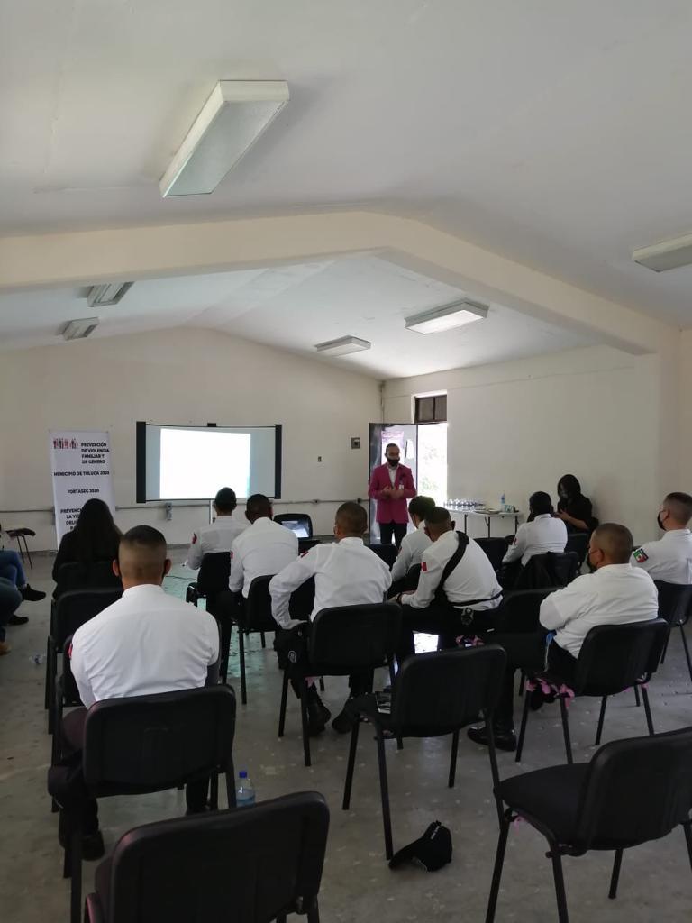Imparte Toluca capacitación sobre uso de la fuerza pública en la función policial