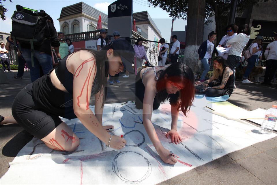 Se manifiestan contra la corrida de Toros en honor a San José en Toluca.