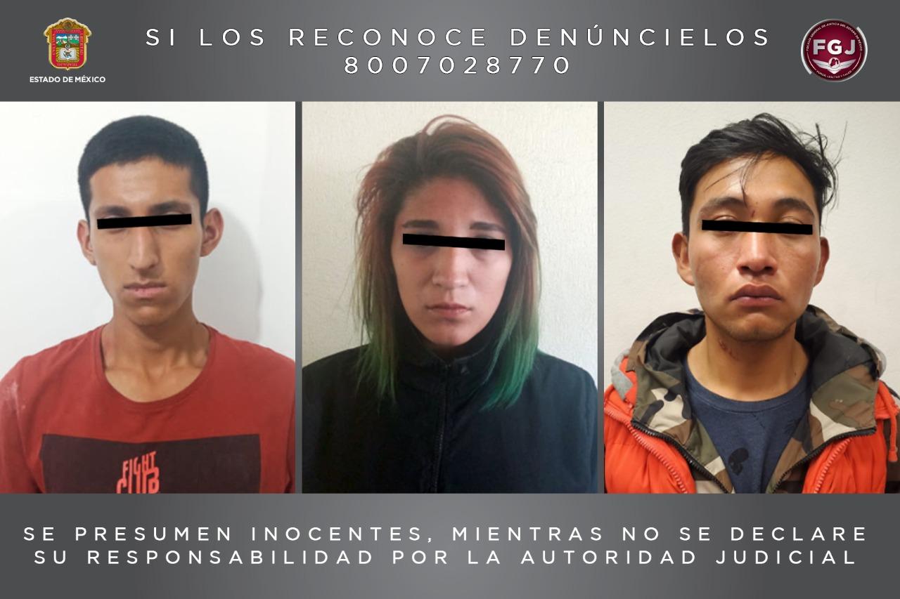 Cumplimentan una orden de aprehensión contra tres personas investigadas por el homicidio de una mujer.