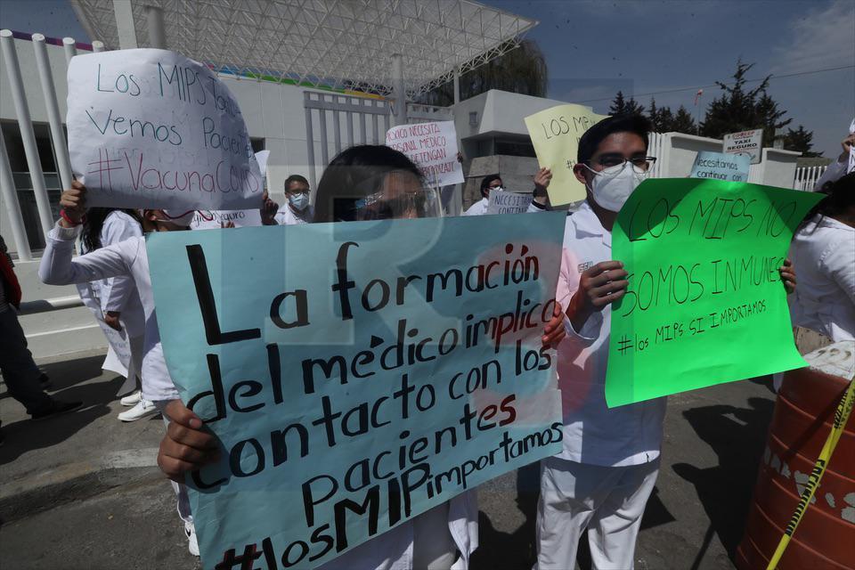 Quieren estudiantes de medicina vacuna contra el Covid