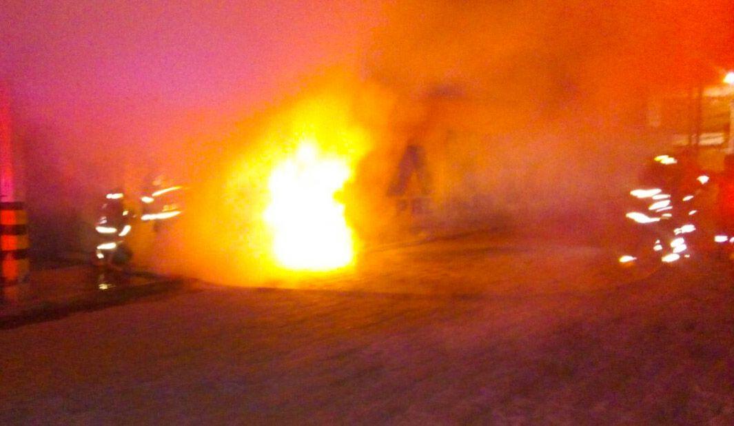 Sofocan Bomberos de Toluca incendio y atienden fuga de gas