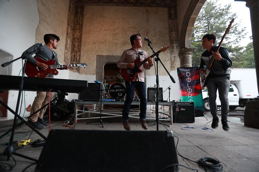 """Deleita grupo """"La Dolorosa"""" a los mexiquenses con sus interpretaciones de rock-pop"""