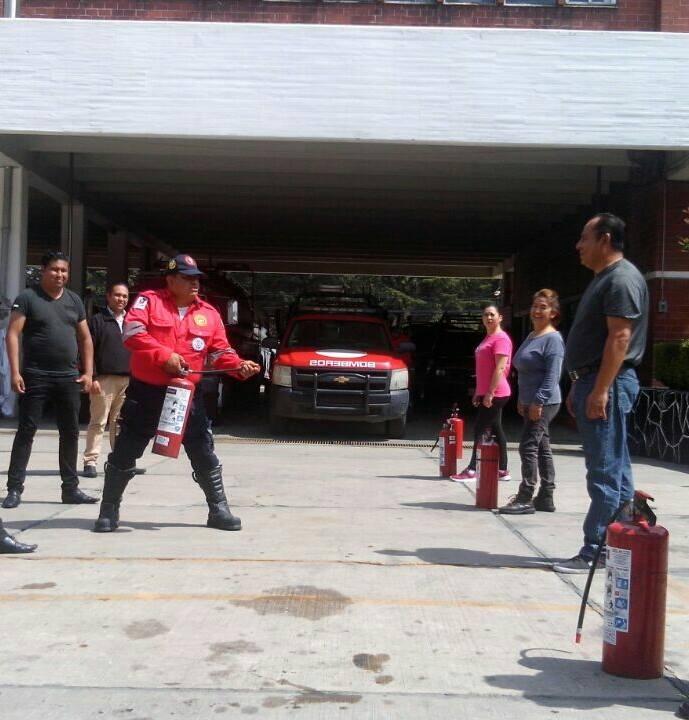 Imparte Toluca curso sobre manejo y uso de hidrantes y extintores