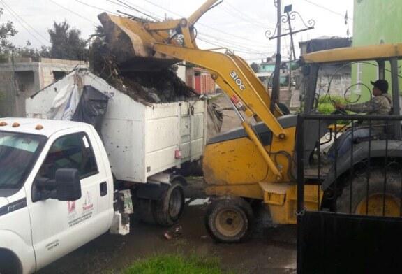 Intensifican labores de limpieza en panteones de Toluca