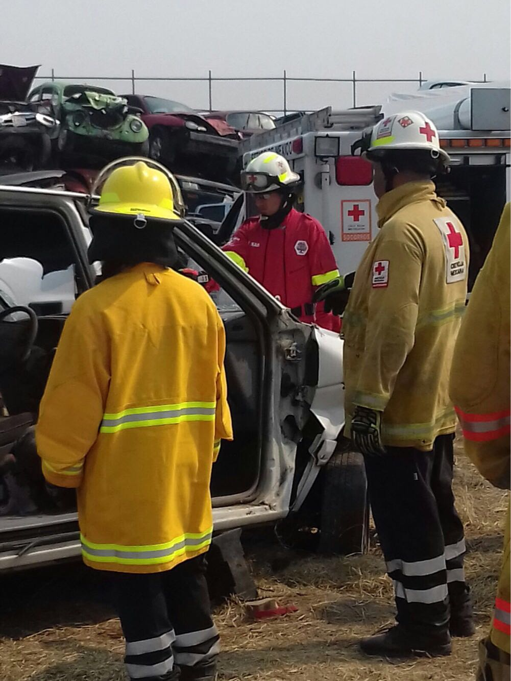 Capacita Cruz Roja Toluca a su personal para extracción vehicular