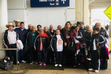 Facilitan que adultos mayores mexiquenses se reúnan con sus familiares en Estados Unidos