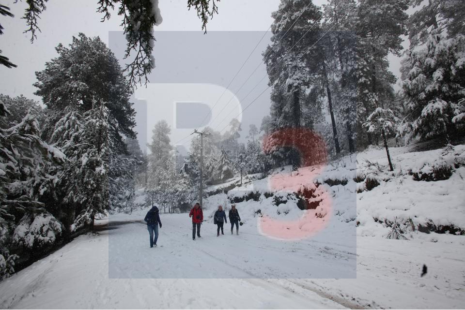 El nevado de Toluca a punto de colapsar por omisión de recomendaciones de seguridad de los visitantes