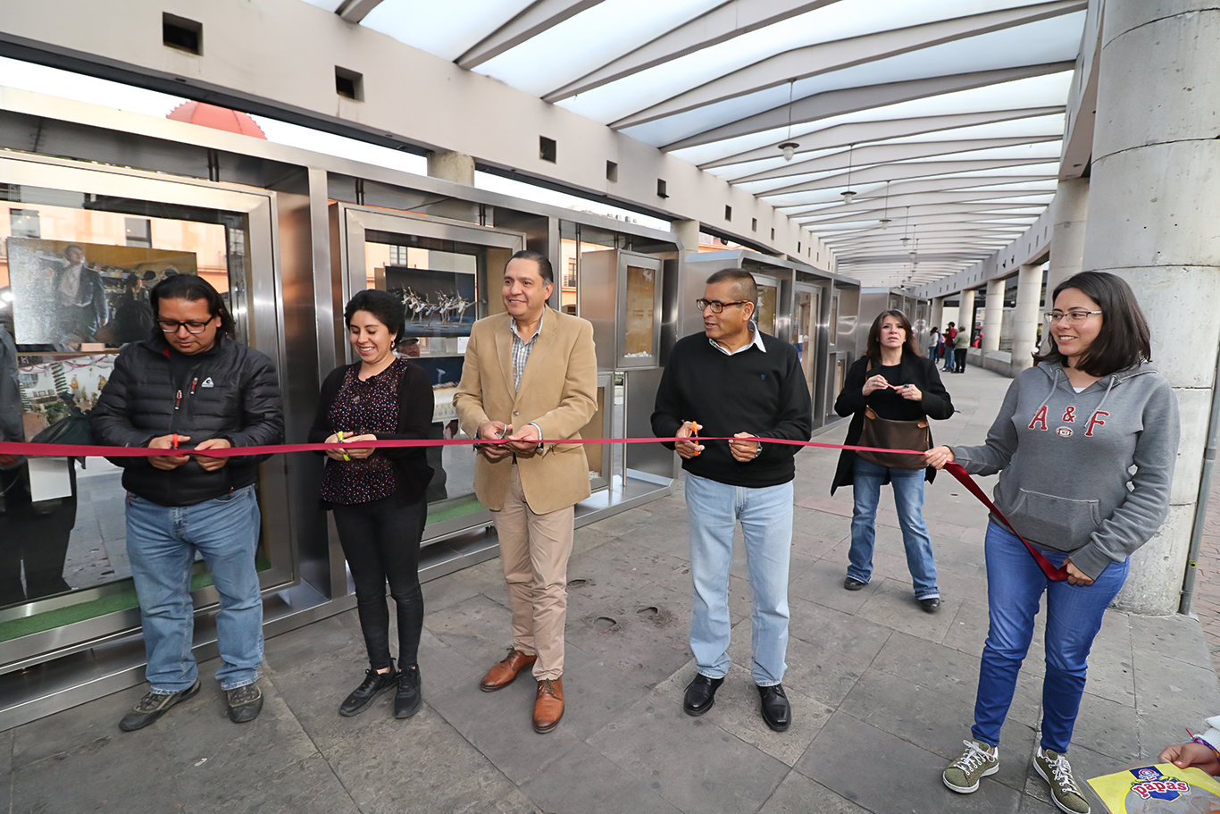 Inauguran Primer muestra FOTOLUCA, en la Plaza González Arratia