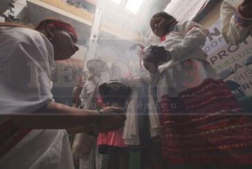Le toman protesta al nuevo gobernador indígena mexiquense