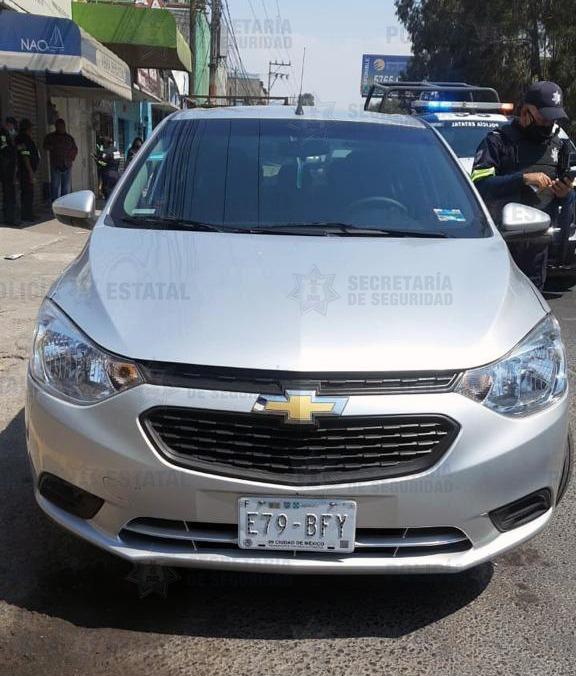 Recuperan vehículo con reporte de robo vigente