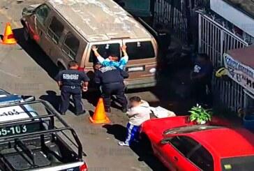 Detienen a dos sujetos por posesión ilegal de arma de fuego