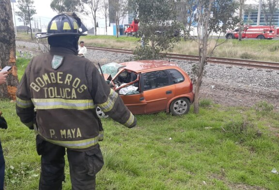 Muere automovilista en la Toluca Palmillas