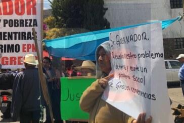 Comuneros de Amanalco exigen que el gobierno pague sus predios que los hicieron autopista