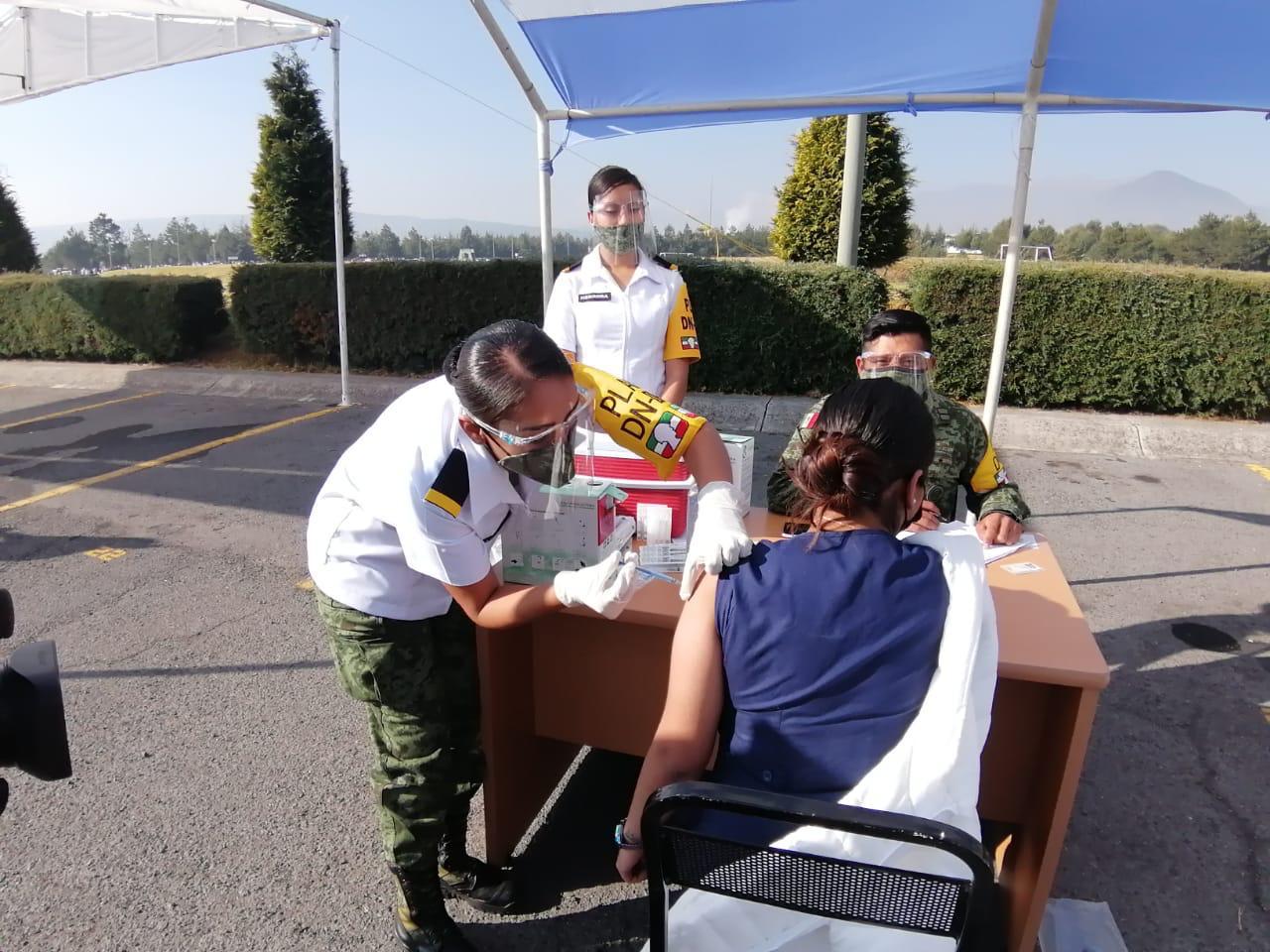 Llegan las primeras vacunas al valle de Toluca