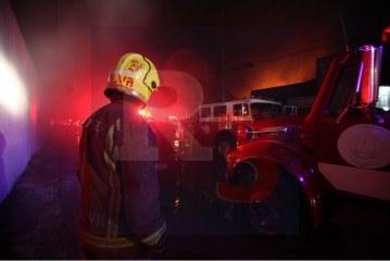 Arde una empresa en Lerma