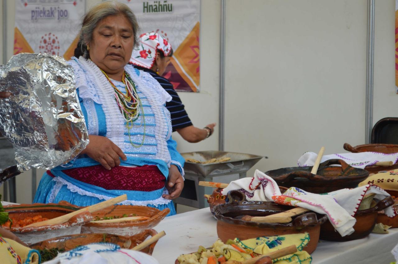 Impulsan cocina tradicional como expresión viva de la cultura indígena del Edoméx