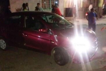 Tras enfrentamiento con arma de fuego uno de los probables responsables del robo de un vehículo perdió la vida y el segundo fue detenido por elementos de la secretaría de seguridad
