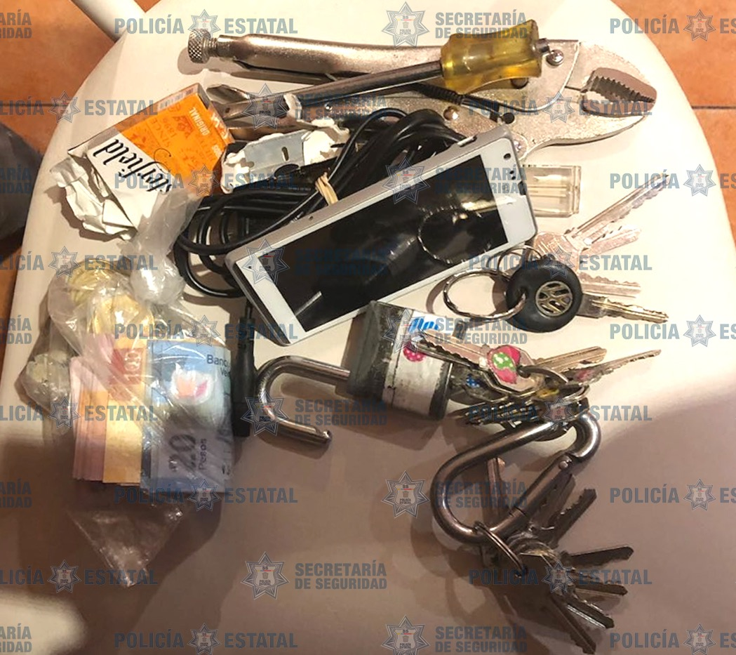 Recupera secretaría de seguridad dinero y aparatos electrónicos sustraídos de un restaurante