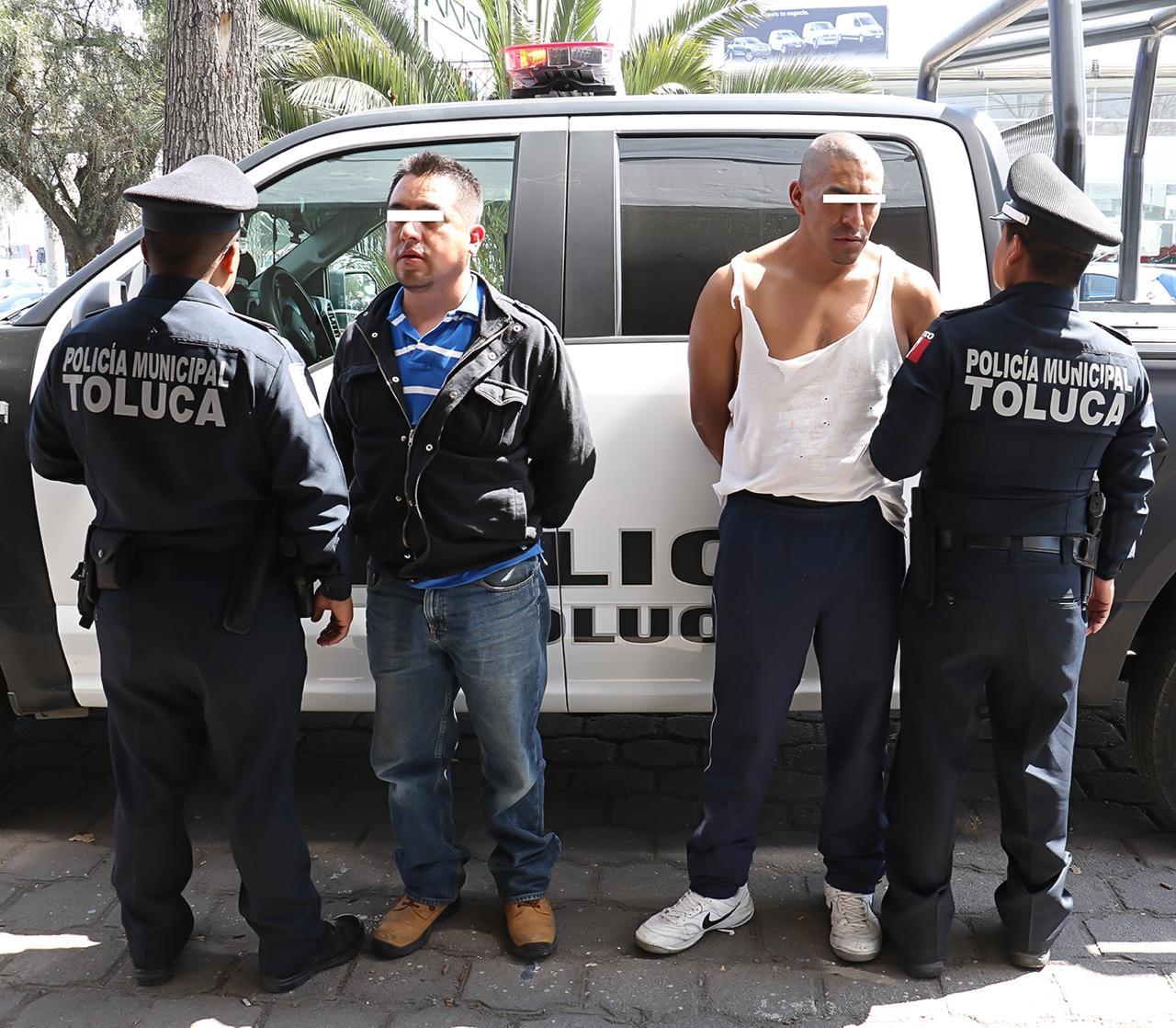 Detiene policía de Toluca a integrantes de una banda dedicada al robo con violencia