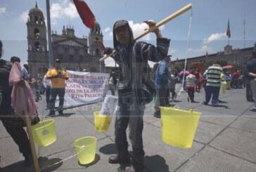Bloquean alcaldes perredistas el primer cuadro de la capital