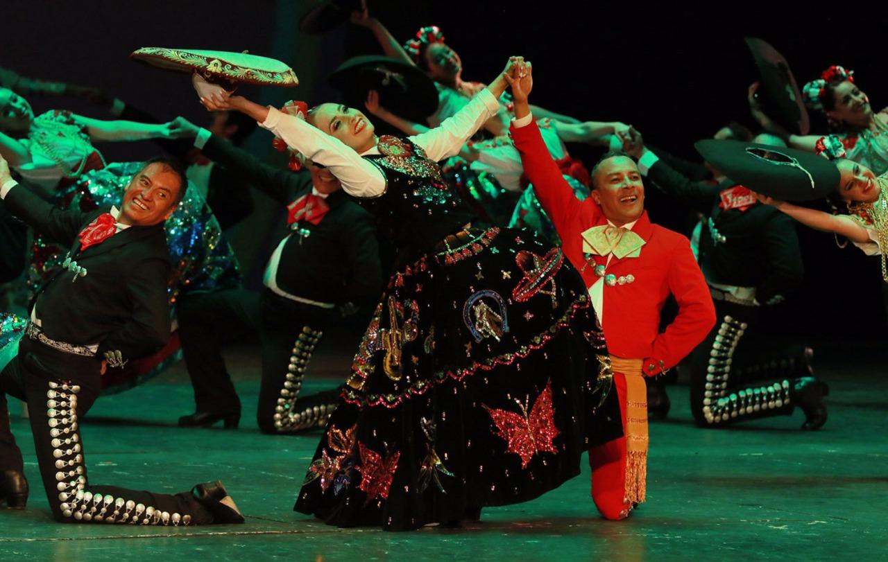 Deleita ballet folclórico del Estado de México al público del Palacio de Bellas Artes