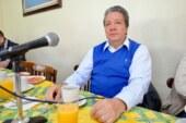 Se cuelgan políticos del derribo de árboles en Tollocan