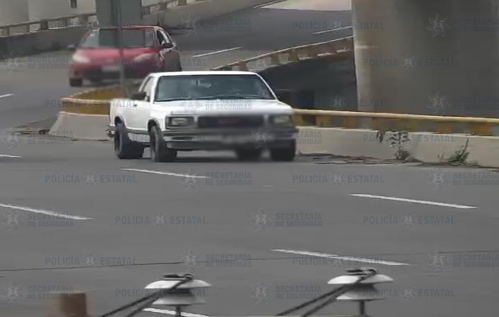 Elementos de la secretaría de seguridad recuperan camioneta con reporte de robo