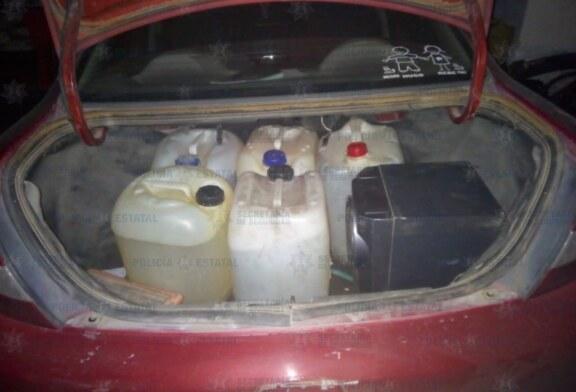 Capturan policías estatales a dos personas con garrafones de supuesta gasolina de procedencia ilícita