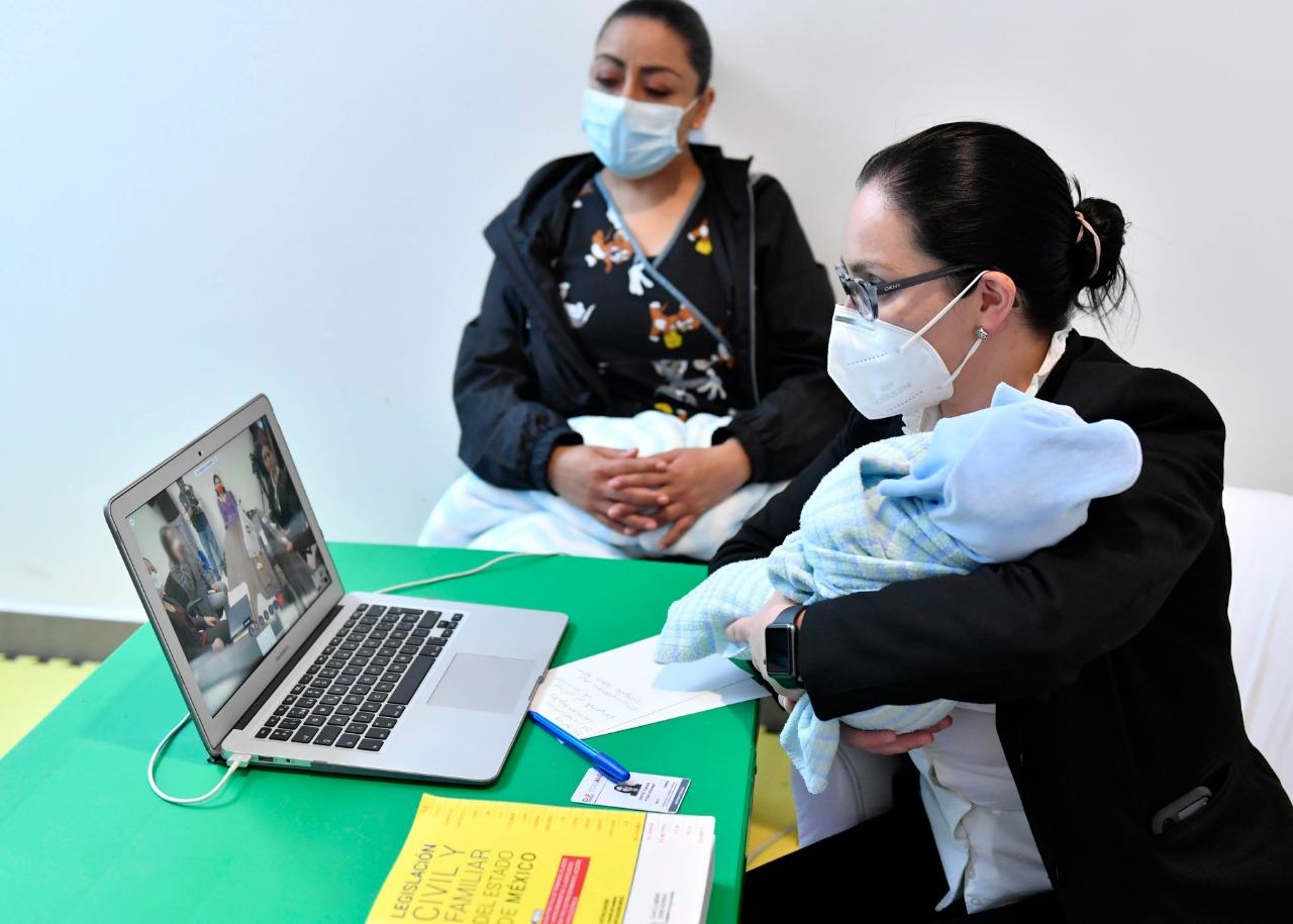 Recibe DIFEM entrega voluntaria de dos menores de edad