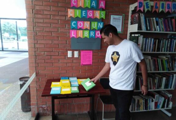 """Invita biblioteca """"centenario de la revolución"""" a tener una cita a ciegas con un libro"""