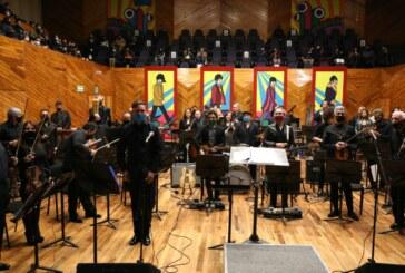 Vibran corazones mexiquenses en concierto The Beatles sinfónico