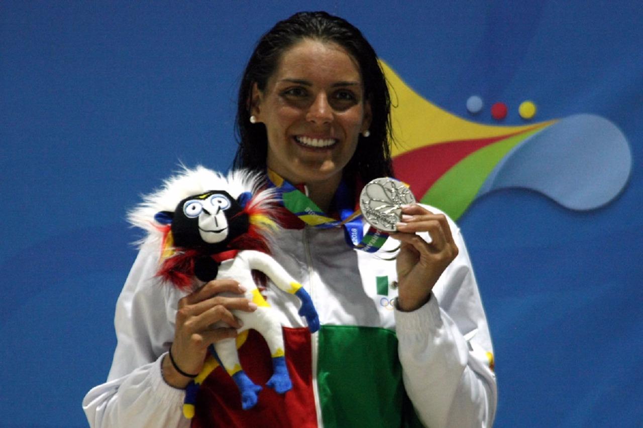Coronan a la nadadora Fernanda González máxima medallista en los juegos centroamericanos y del caribe