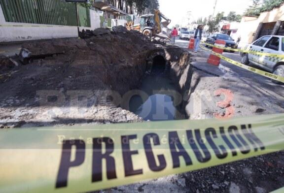 Podrían seguirse presentando oquedades en las calles de Toluca