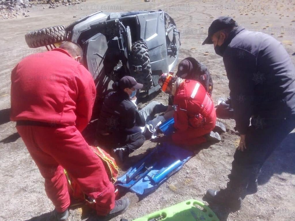 Secretaría de seguridad brinda auxilio a dos personas en el nevado de Toluca