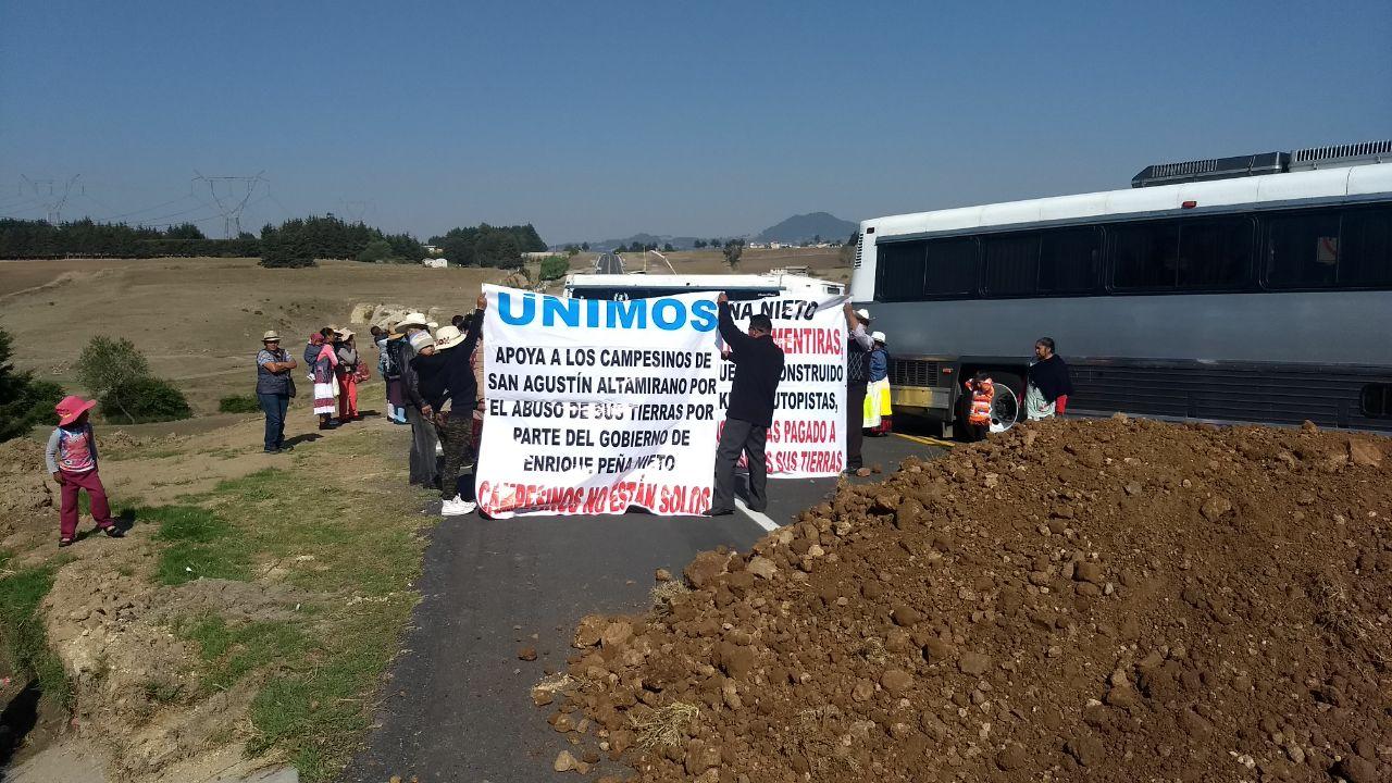 Bloquean la autopista Toluca-Zitácuaro