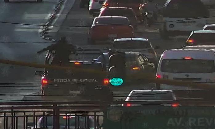 Localizan vehículo con reporte de robo y detienen a probable responsable